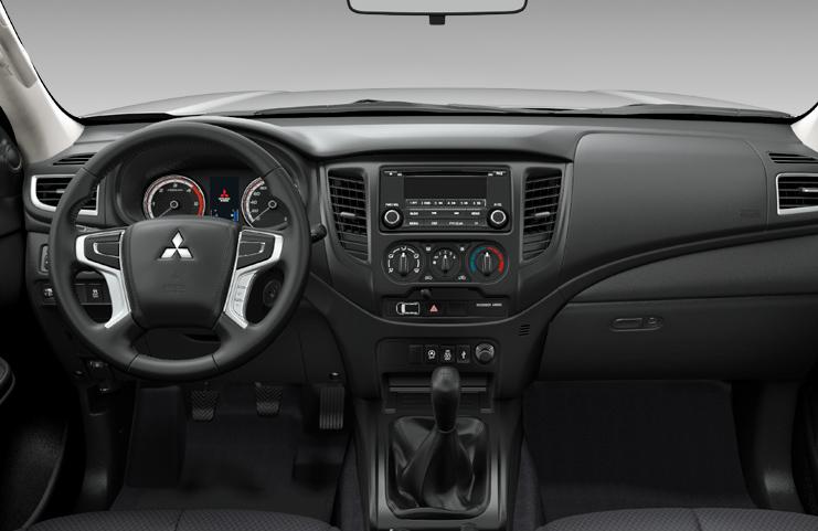 Mitsubishi L200 Club Cab belső