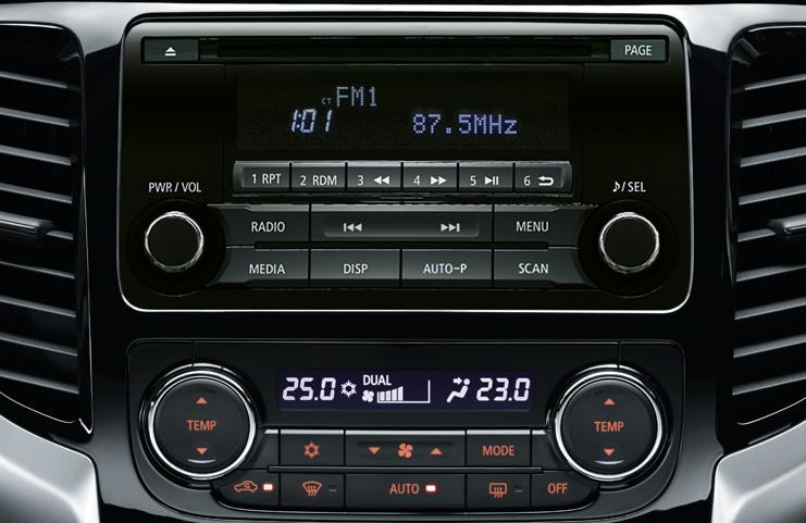 2DIN AM/FM rádió, CD lejátszó